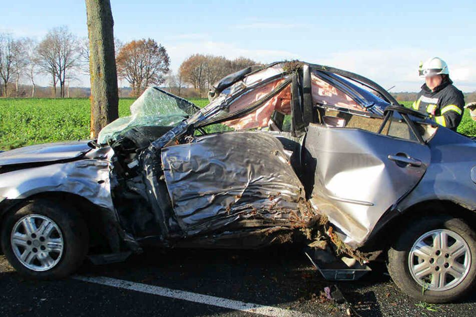 Am Mazda entstand Totalschaden.