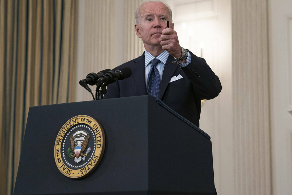 Biden announces a new vaccination target to be reached by July 4