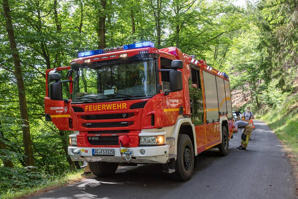 Die Feuerwehr rückte mit mehreren Fahrzeugen zum Unfallort bei Stolberg an.