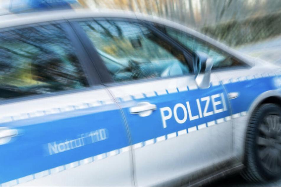 Leipzig: Verkehrsrowdy rast durch Leipzig und fährt Familie an