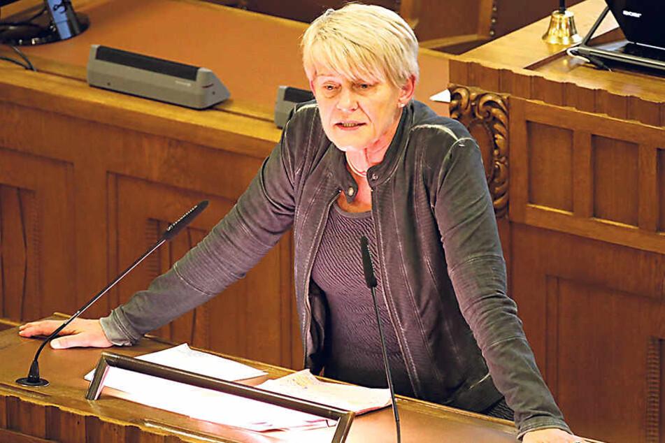 Petra Zais (60, Grüne) beklagt, dass die Umsetzung des Lehrerpakets zu lange  dauert.