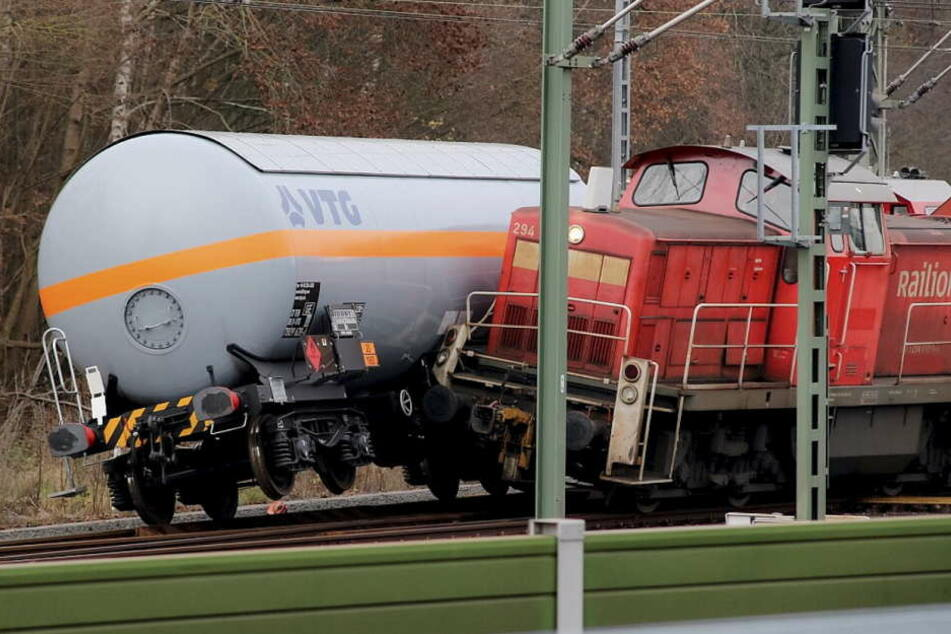 Beim Rangieren kollidierte der Kesselwagen eines Güterzuges mit einem weiteren Güterzug.
