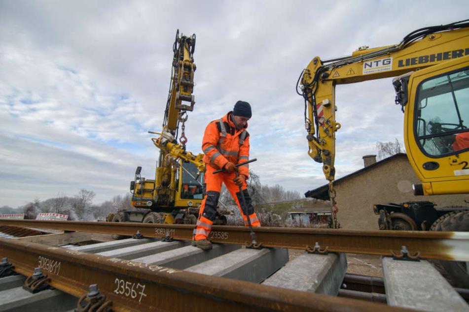 Die Bahn will den Streckenabschnitt für höhere Geschwindigkeiten ausbauen.
