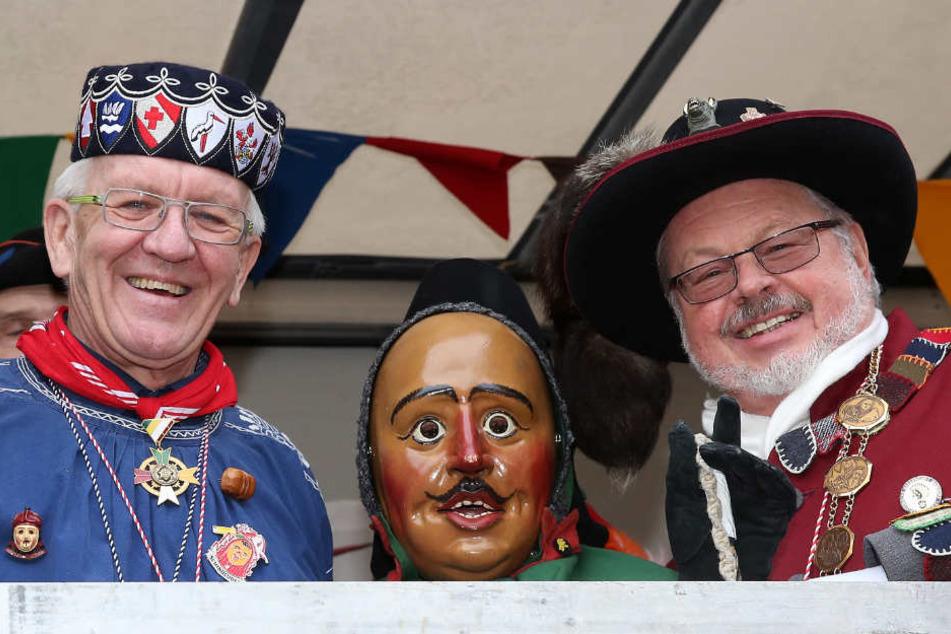 Wehrle (rechts, links Ministerpräsident Winfried Kretschmann) will einen runden Tisch zum Thema Sicherheit anregen.