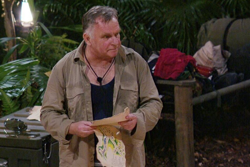 Der Campingfreund hatte einen Kreislaufkollaps erlitten und wurde vollkommen durchgeschwitzt aus dem Dschungel gebracht.