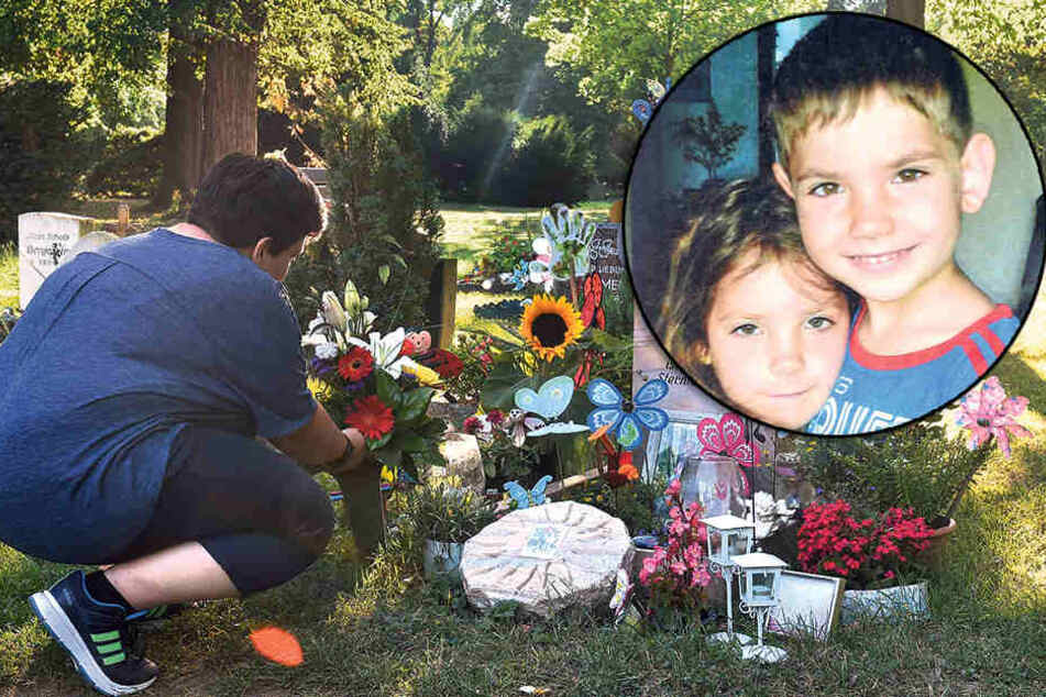 """""""Der Himmel ist um zwei Sternlein reicher"""": Madlen B. (40) aus Dresden trauert am Grab ihrer Kinder auf dem Annenfriedhof."""