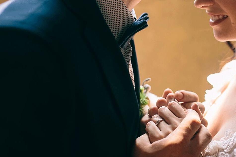Bruder und Schwester hatten nicht wirklich Interesse an einer Ehe (Symbolbild).
