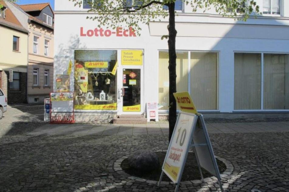 Diese Lotto-Annahmestelle in Schönebeck (Sachsen-Anhalt) wurde am Montag überfallen. Gerade mal 80 Euro erbeuteten die Täter.