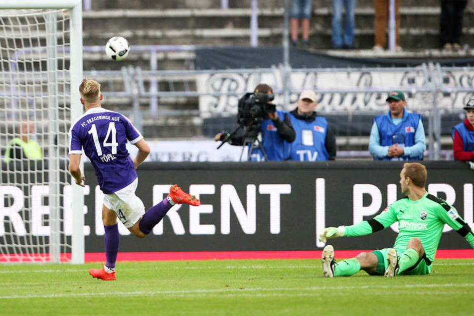 Fünf Minuten vor dem Ende der ersten Halbzeit baute Pascal Köpke die Führung aus - traf zum 2:0.