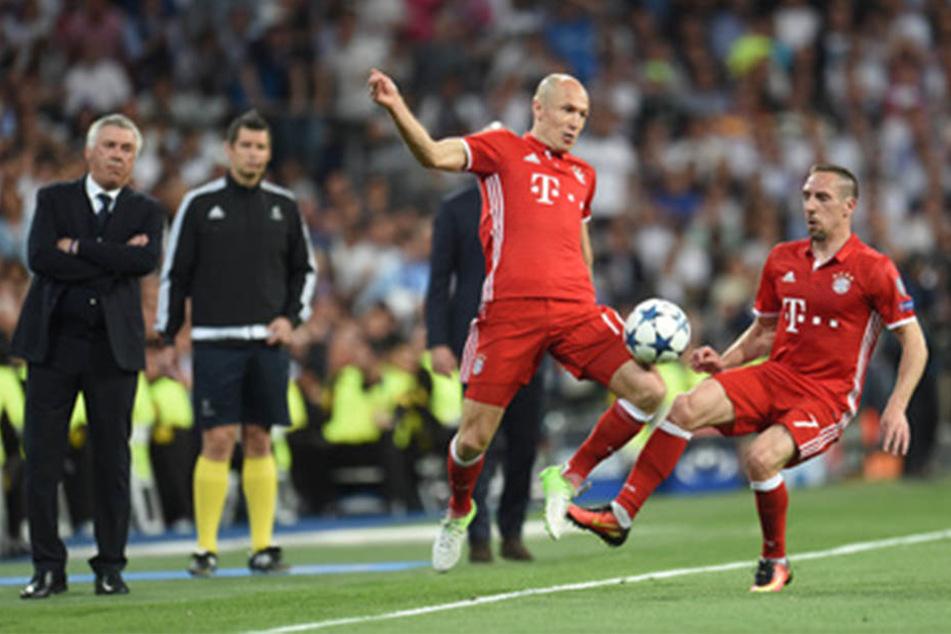 Erst müssten Robben (li.) und Ribery (re.) aufhören, dann würde RB-Stürmer Yussuf Poulsen (23) zum FC Bayern München wechseln.