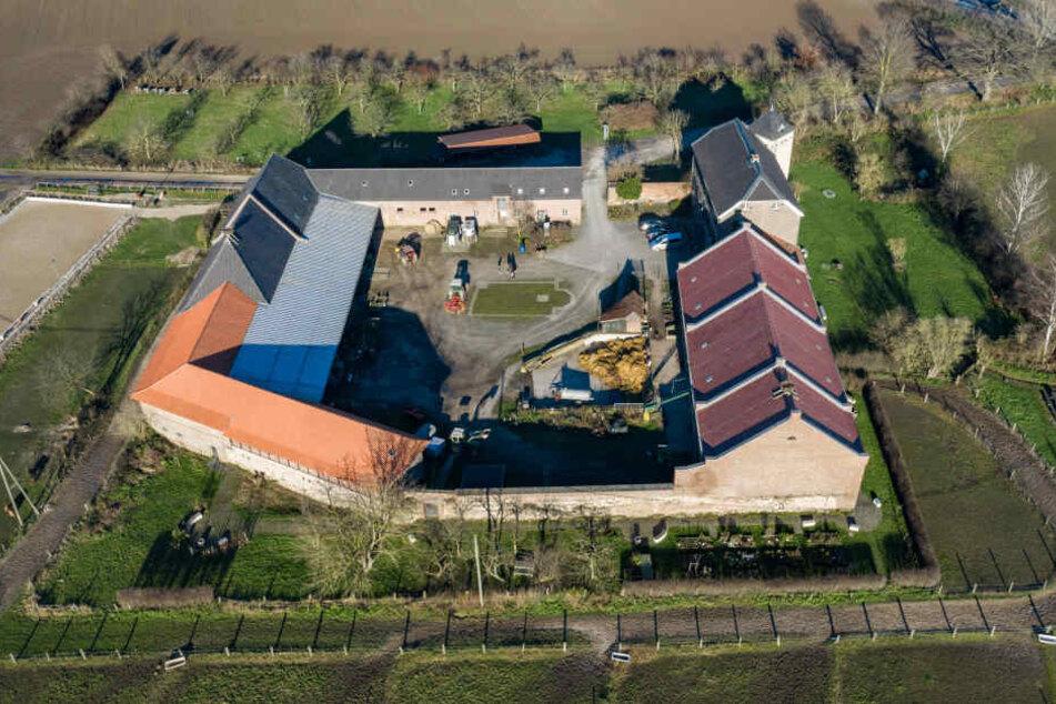 Übersicht auf das Haus Bürgel in Monheim (Luftaufnahme mit einer Drohne).
