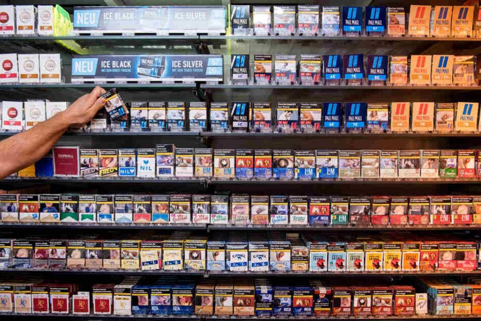 Der Sohn des Albaners hatte die Zigaretrenpackung in Luxemburg gekauft. (Symbolbild)