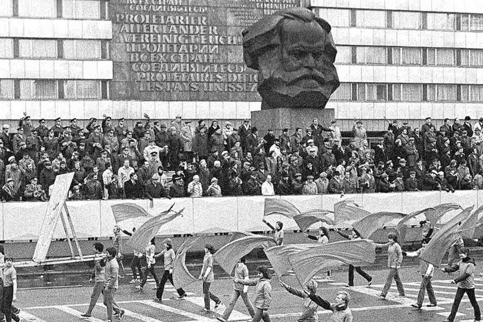 """Der """"Nischel"""" wird 45. Eingeweiht wurde er 1971 vor 250.000 Menschen. Regelmäßig fanden dort Maidemonstrationen statt."""