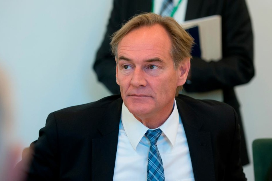 Oberbürgermeister Burkhard Jung (SPD) zeigte Baubürgermeisterin Dorothee Dubrau (parteilos) bei der Landesdirektion an. (Archivbild)