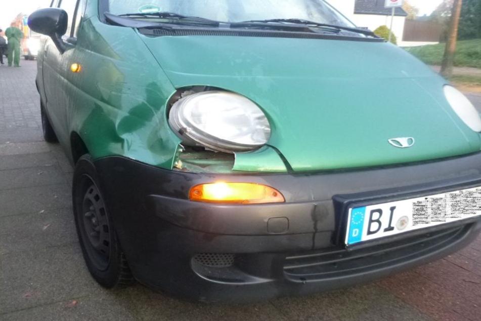 Am Unfallwagen entstanden nur kleinere Schäden.