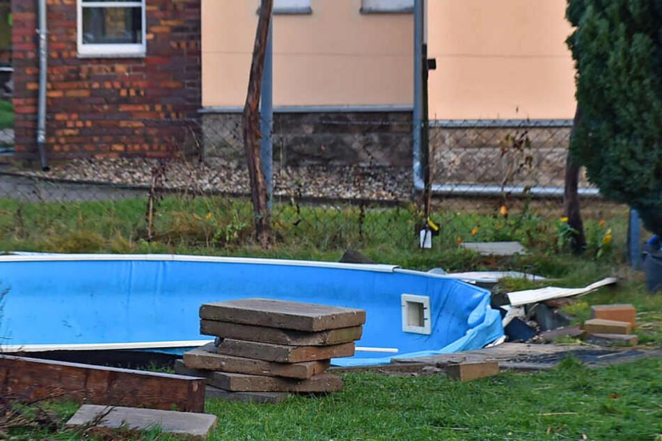 In dieses Schwimmbecken brach das Pferd ein - weil es Durst hatte.