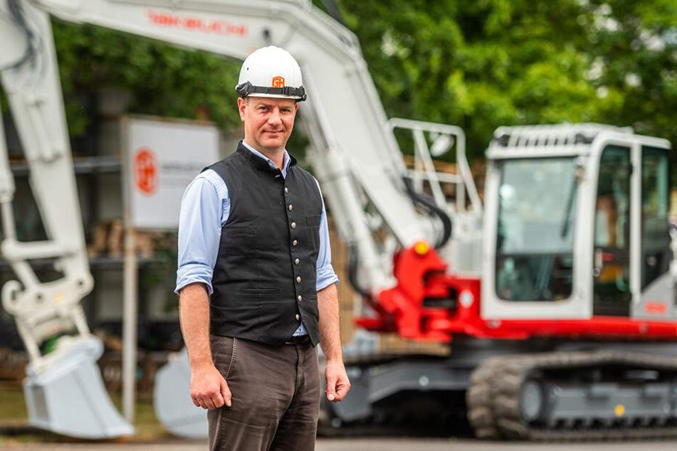 """Daniel Hüttner (43), Chef des Bauunternehmens """"Gunter Hüttner"""", freut sich über die neue Richtlinie: """"Arbeits- und Gesundheitsschutz muss an oberster Stelle stehen."""""""