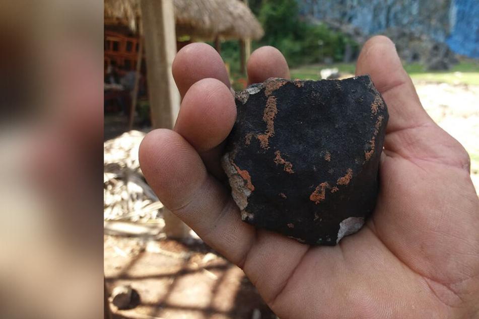 Asteroiden & Meteoriten: Explosion am Himmel! Meteorit schlägt auf Kuba ein und lässt Trümmer regnen