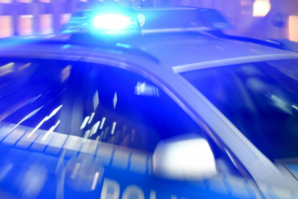 Nach einem Unfall, fuhr der 81-Jährige einfach weiter (Symbolfoto).