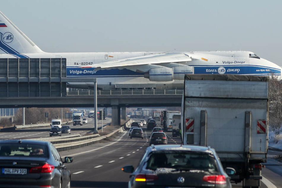Leipzig: Top-1-Luftverschmutzer: Flughafen Leipzig/Halle muss CO2-Ausstoß halbieren