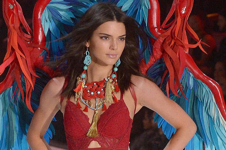 In der vergangenen Woche war Kendall Jenner (21) auch bei Victoria's Secret auf dem Laufsteg zu sehen.