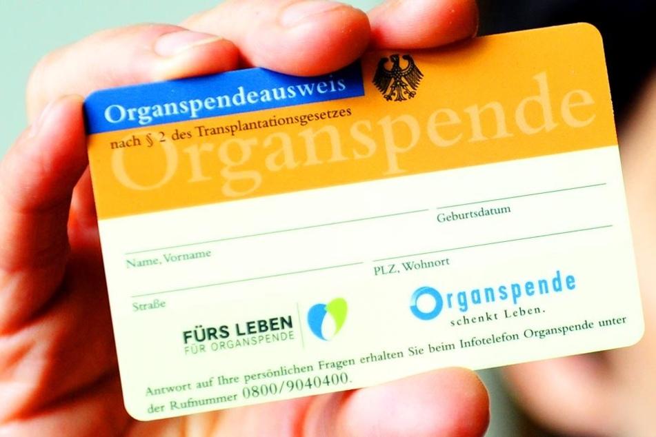 Mit diesem Ausweis können Menschenleben gerettet werden. Aber warum besitzen so wenige Menschen in OWL und ganz Deutschland einen?