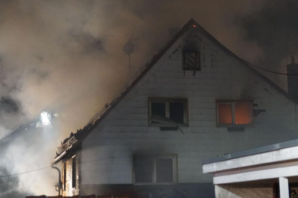 Brand in Zimmerei und Wohnhaus: Hunderttausende Euro Schaden