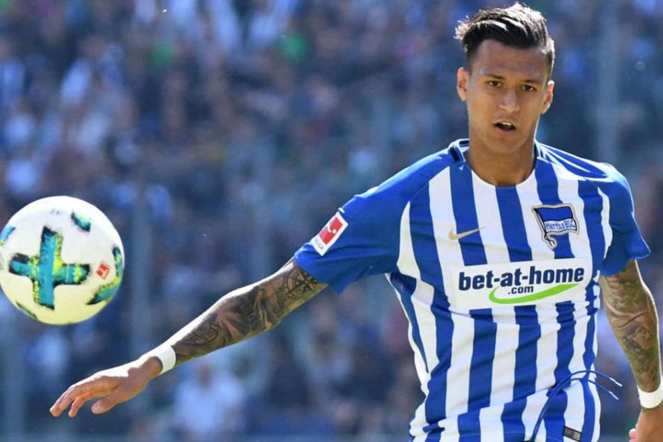 Hertha-Stürmer Davie Selke (23) beim Spiel in Hannover. (Archivbild)