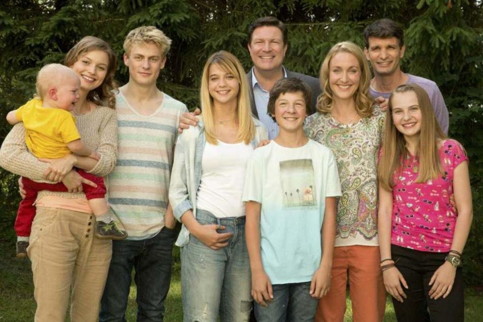 """Sie gehen in die siebte Runde: """"Familie Dr. Kleist"""" mit alten, aber auch neuen Seriendarstellern."""
