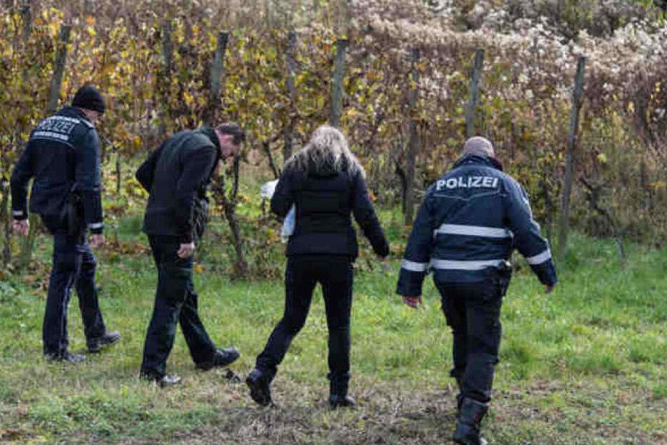 Ermittler suchten am Tatort nach Hinweisen. Nun könnten sie eventuell den Täter gefunden haben.