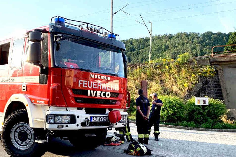 Die Feuerwehr befindet sich im Einsatz.