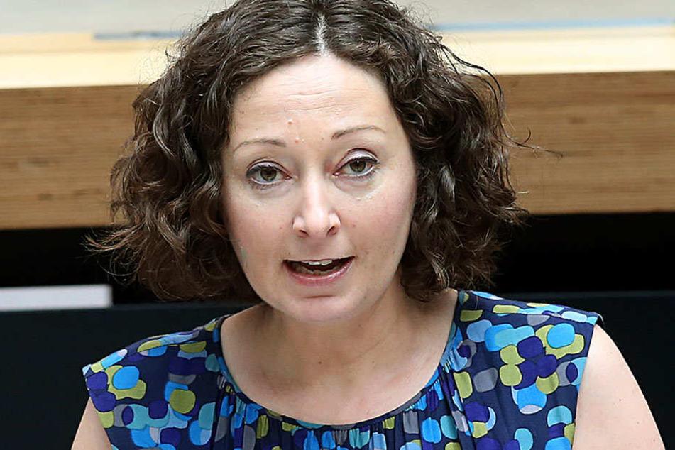 Wirtschaftssenatorin Ramona Pop (39, Bündnis 90/Die Grünen) unterstrich die Ansichten der Koalition: Tegel wird geschlossen!