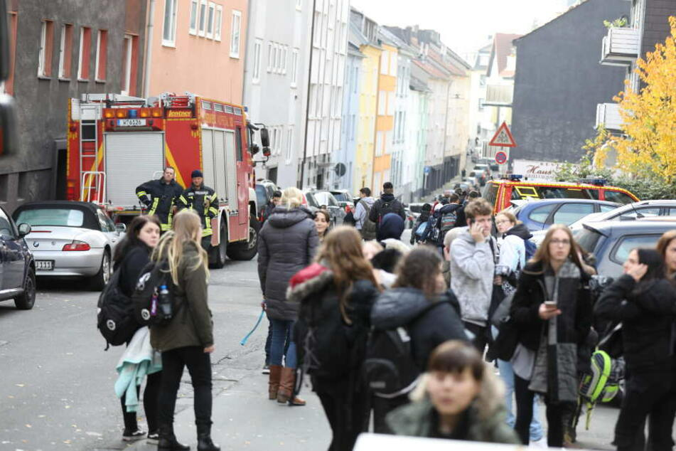 Reizgas-Attacke in Wuppertaler Schule? 36 Kinder verletzt