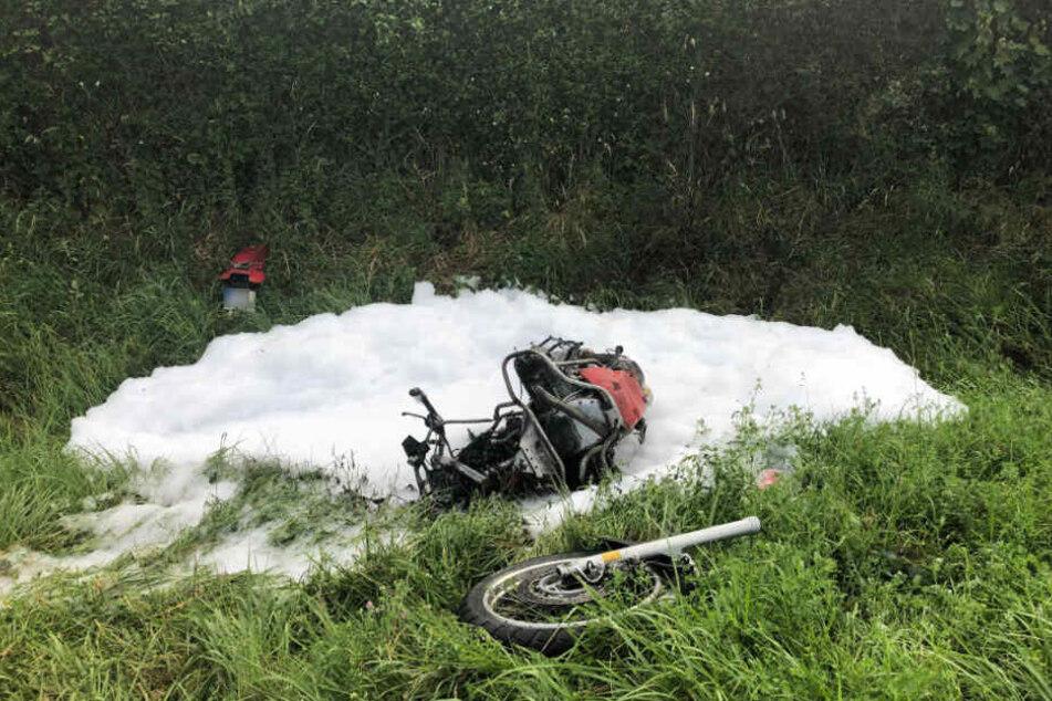 Der 52-jährige Biker starb noch am Unfallort.