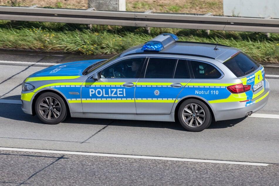 Duo (16, 34) verursacht schweren Unfall: Statt zu helfen, stehlen Täter ein Fluchtauto