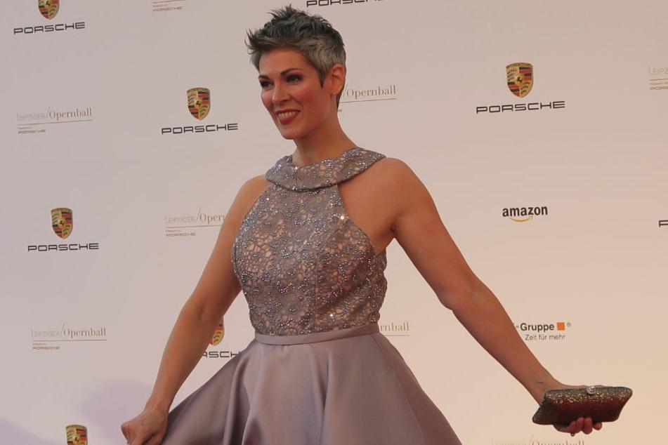 Cheryl Shephard auf dem roten Teppich beim Leipziger Opernball.