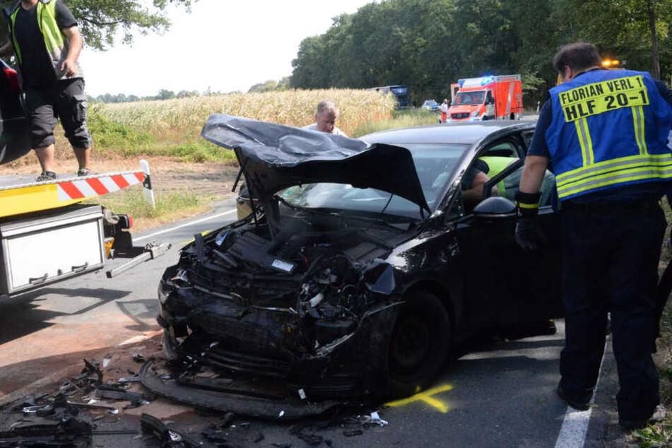 Der VW Golf war nach dem Crash nur noch Schrott.