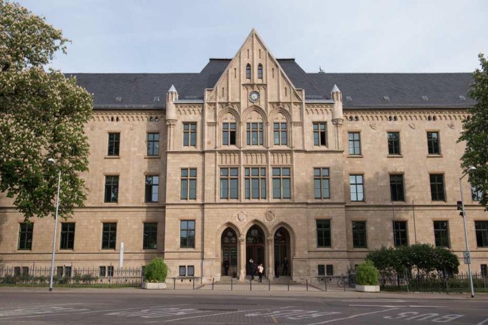im Landgericht Erfurt wird die Spielhallen-Schießerei verhandelt.
