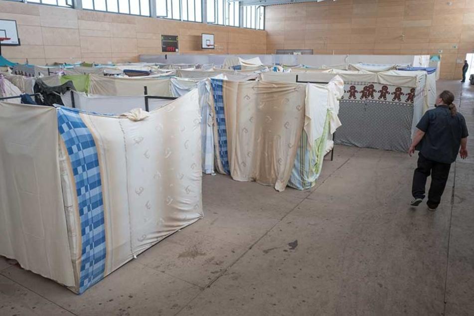 Diese Halle auf der Fritz-Reuter-Straße in Pankow war am 31. März die letzte, aus der die Flüchtlinge auszogen.
