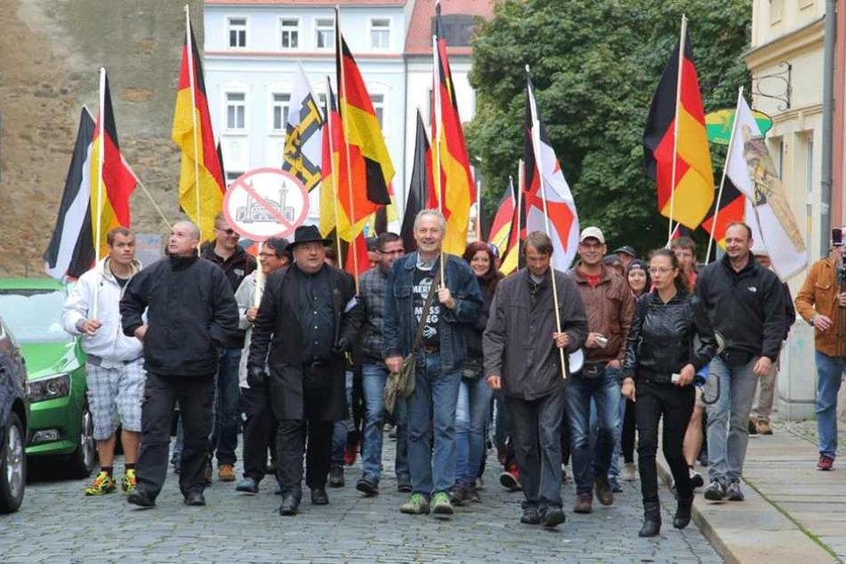 Etwas mehr als 50 Menschen nahmen an der rechten Demo teil.