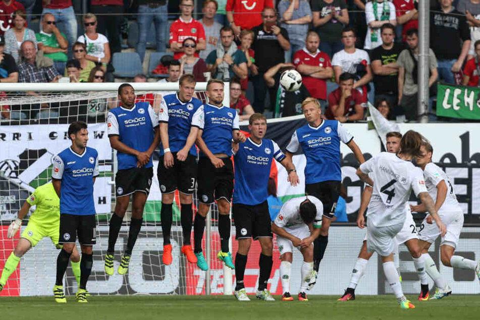Im Spiel gegen Hannover 96 verletzte sich Christopher Nöthe. Im Trainingsager ist er endlich wieder von der Partie.