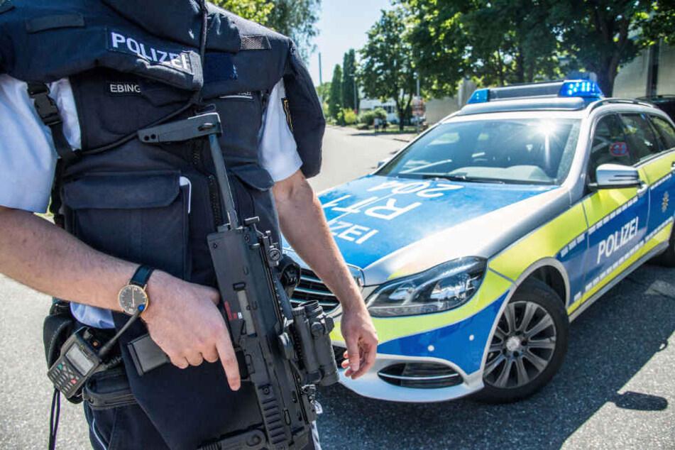 Muss ein Polizist seine Dienstwaffe nutzen, kommt ein Einsatzpsychologe ins Spiel.