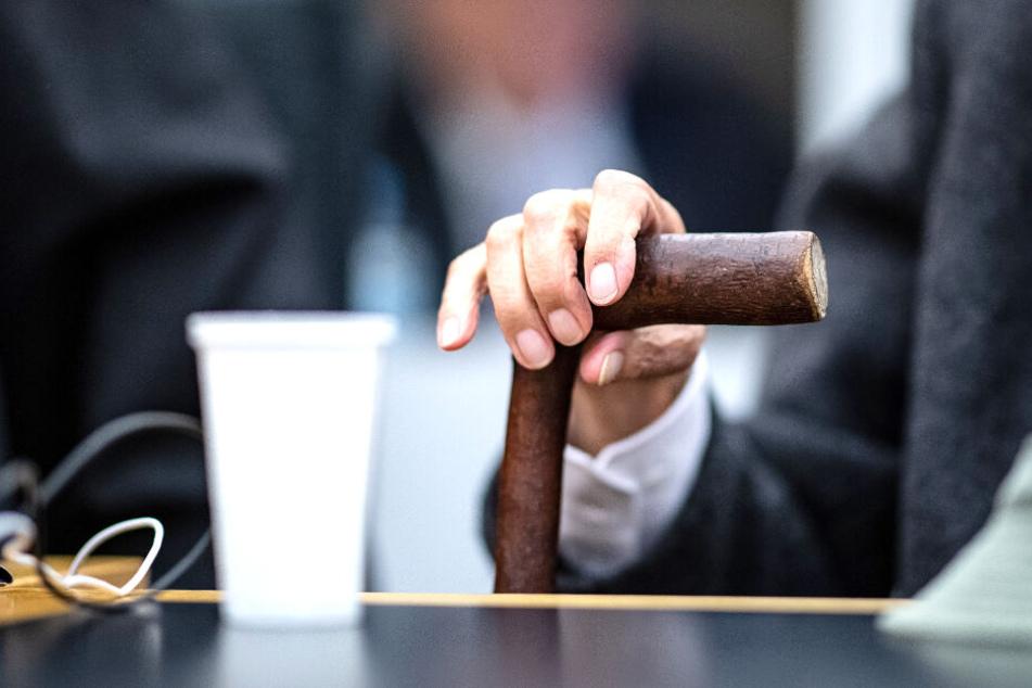 93-Jähriger wegen Beihilfe zum 5230-fachen Mord vor Gericht