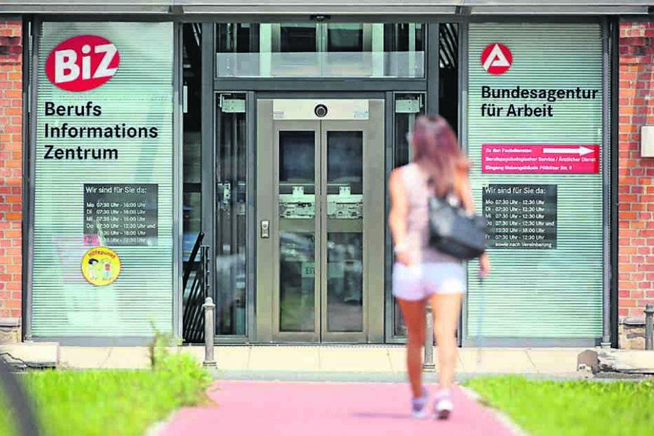Die Zahl der Menschen ohne Job in Sachsen ist so niedrig wie nie. Aber viele  fallen auch aus der Statistik.