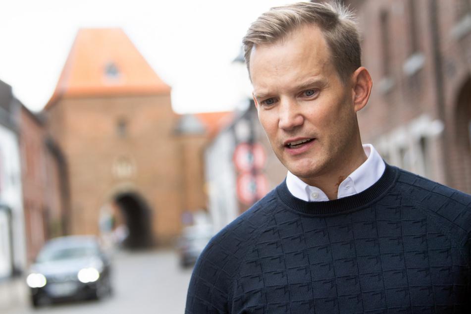 Hendrik Streeck (43) ist der Direktor des Instituts für Virologie an der Uniklinik in Bonn.