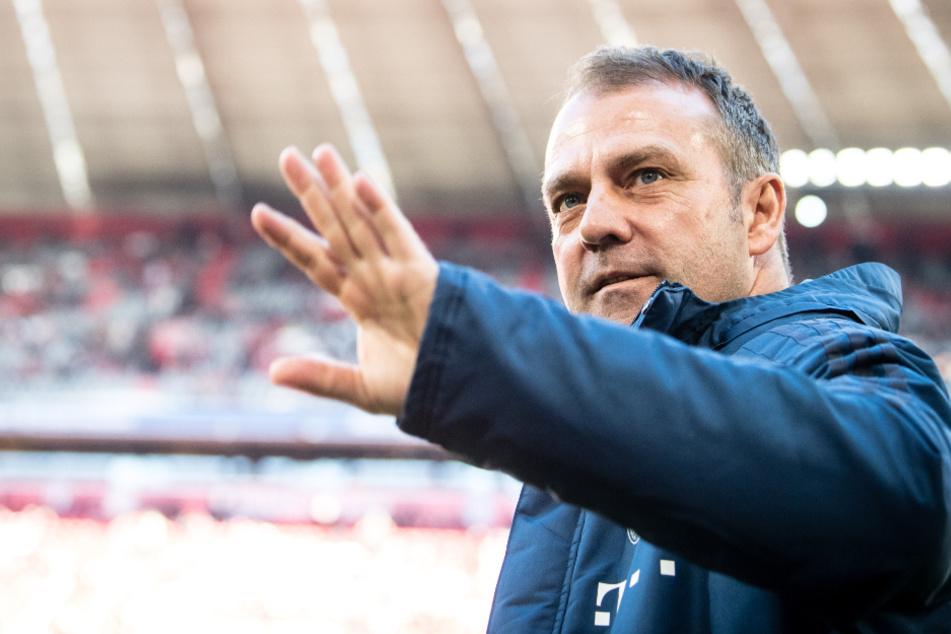 Bayern-Coach Hansi Flick fordert einen verantwortungsvollen Umgang mit der Epidemie. (Archiv)