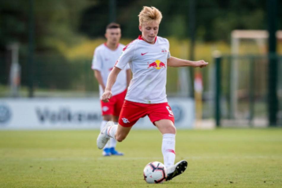 Mads Bidstrup (18) unterschrieb einen Profi-Vertrag bei RB Leipzig bis 2023.