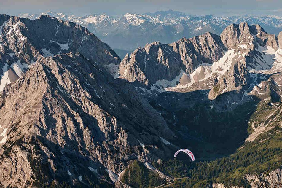 In den Alpen bei Salzburg ist eine Seilschaft aus fünf Personen abgestürzt. (Archivbild)