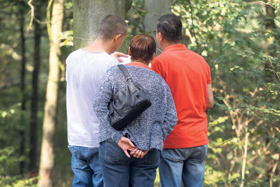 An einem Gemeinschaftsbaum können einzelne Urnenplätze gekauft werden. Bei einem Wahl- oder Pflanzbaum das Nutzungsrecht für den gesamten Baum.