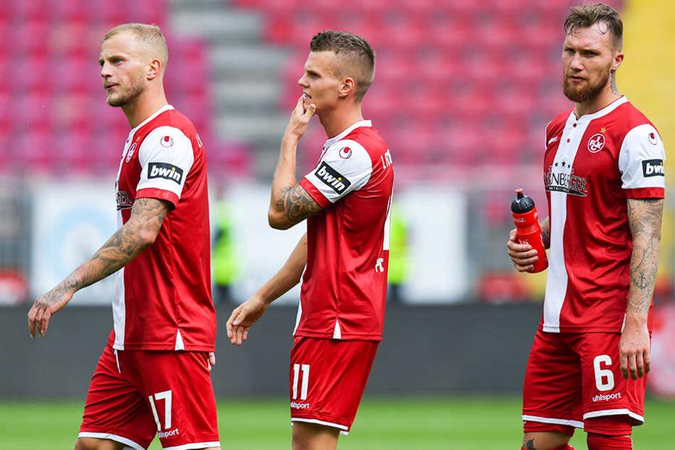 Stehen vor einer ungewissen Zukunft: Kaiserslauterns Kicker Christoph Hemlein (l.), Florian Pick (M.) und Jan Löhmannsröben (r.).